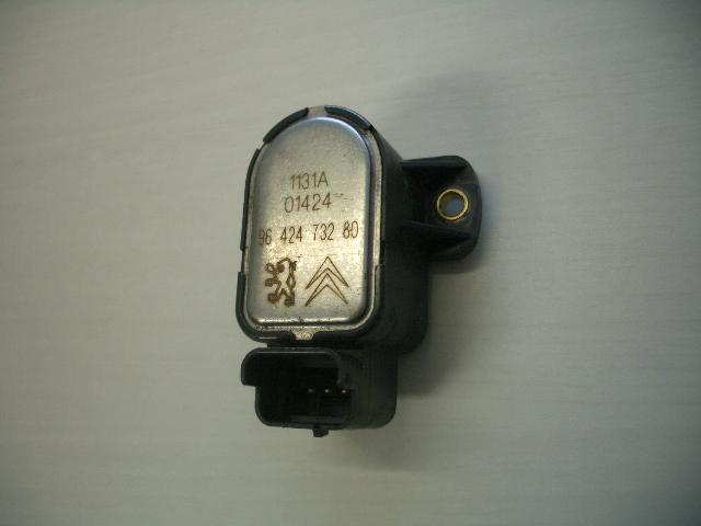 プジョー 406 スロットルポジションセンサー